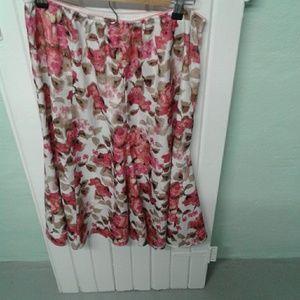 Sag Harbor floral skirt. Medium.